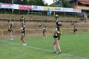 Cheerleader heizen ein