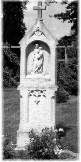Beispiel: Bildstock mit den Figuren Jesus und Maria aus dem Jahre 1882 Baudenkmal Pfarrgemeinde St. Maria Lünen